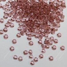 pccb01194-10/0 2.2 - 2.4 mm, apvali forma, skaidrus, rausvai violetinė spalva, apie 50 g.