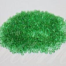 pccb01661-10/0 2.2 - 2.4 mm, apvali forma, skaidrus, žalia spalva, apie 50 g.