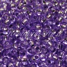 pccb08228-11/0 2.0 - 2.2 mm, apvali forma, skaidrus, violetinė spalva, viduriukas su folija, apie 50 g.