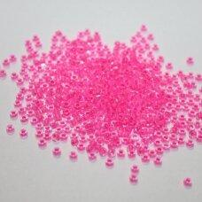 pccb08777-09/0 2.4 - 2.8 mm, apvali forma, skaidrus, viduriukas rožinė spalva, apie 50 g.