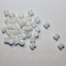 pccb111/01339/03000-04x6 apie 4 x 6 mm, pellet forma, apie 48 vnt.