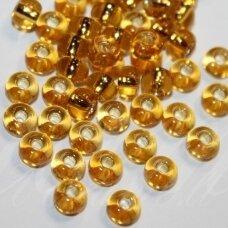 PCCB17050-07/0 3.2 - 3.7 mm, apvali forma, skaidrus, gintaro spalva, viduriukas, su folija, apie 50 g.