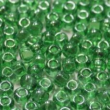 pccb29001/56100-02 5.8 - 6.3 mm, apvali forma, skaidrus, šviesi, žalia spalva, kvadratinė skylė, apie 50 g.