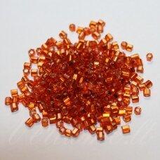 pccb31001/97030-09/0 2.4 x 2.4 mm, pailga forma, skaidrus, oranžinė spalva, viduriukas su folija, apie 50 g.