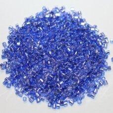 PCCB31001/00145-11/0 2.0 - 2.2 mm, pailga forma, skaidrus mėlyna spalva, viduriukas su folija, apie 50 g.