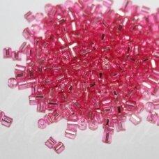 PCCB31001/08275-09/0 2.4 x 2.4 mm, pailga forma, skaidrus, rožinė spalva, viduriukas su folija, apie 50 g.