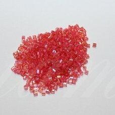 pccb31001/11028-10/0 2.2 - 2.4 mm, pailga forma, skaidrus, viduriukas rožinė spalva, apie 50 g.