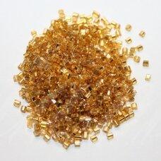 PCCB31001/17050-10/0 2.2 x 2.2 mm, pailga forma, skaidrus, auksinė spalva, viduriukas su folija, apie 50 g.