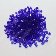 pccb31001/30100-10/0 2.2 x 2 mm, pailga forma, tamsi, mėlyna spalva, skaidrus, apie 50 g.