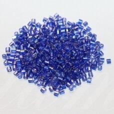 pccb31001/37030-10/0 2.2 x 2 mm, pailga forma, mėlyna spalva, viduriukas su folija, apie 50 g.