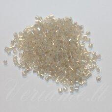 pccb31001/47102-11/0 1.7 x 1.9 mm, pailga forma, baltai gelsva spalva, blizgi danga, apie 50 g.