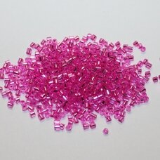 pccb31001/78692-10/0 2.2 x 2 mm, pailga forma, skaidrus, rožinė spalva, viduriukas su folija, apie 50 g.