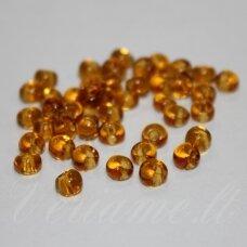 pccb311/11001/10070-05/0 5 x 3.5 mm, lašo forma, skaidrus, gintaro spalva, apie 50 g.