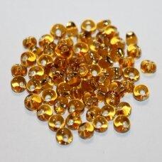 pccb311/11001/17050-05/0 5 x 3.5 mm, lašo forma, skaidrus, geltona spalva, viduriukas su folija, apie 50 g.