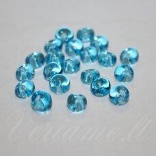 pccb311/11001/60010-05/0 5 x 3.5 mm, lašo forma, skaidrus, žydra spalva, apie 50 g.