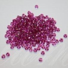 pccb29001/08225-06/0 3.7 - 4.3 mm, apvali forma, skaidrus, rožinė spalva, viduriukas su folija, kvadrato forma, apie 50 g.