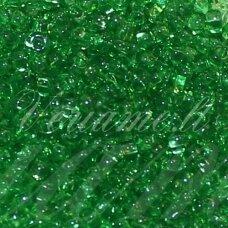 pccb311/29001/50100-06/0 3.7 - 4.3 mm, apvali forma, skaidrus, tamsi, žalia spalva, kvadratinė skylė, apie 50 g.