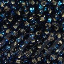 PCCB311/29001/67100-05/0 4.3 - 4.8 mm, apvali forma, mėlyna spalva, kvadratinė skylė, viduriukas su folija, apie 50 g.