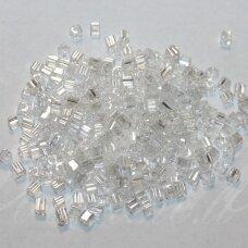 pccb321/20001/48102-2/2 mm 2 x 2 mm, kubo forma, skaidrus, apie 50 g.