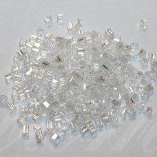 pccb321/20001/48102-2.6/2.6mm 2.6 x 2.6 mm, kubo forma, skaidrus, apie 50 g.