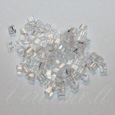 PCCB321/30001/00050-3.4/3.4 3.4 x 3.4 mm, kubo forma, skaidrus, apie 50 g.