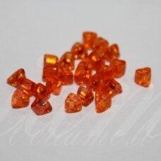 PCCB321/43001/00350-3.5/0 3 x 3.5 mm, trikampio forma, oranžinė spalva, apie 50 g.