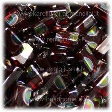 pccb321/61001/9009t-05/3.5 mm 5 x 3.5 x 2.5 mm, pailga forma, skaidrus, tamsi, raudona spalva, marga, apie 50 g.