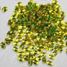 PCCB321/90001/02006-2/4 2 x 4 mm, farfalle forma, skaidrus, geltona spalva, viduriukas, žalia spalva, apie 50 g.