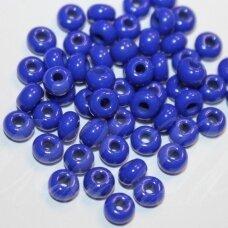 pccb33050-07/0 3.2 - 3.7 mm, apvali forma, mėlyna spalva, apie 50 g.
