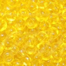 pccb331/29001/00268-08/0 2.8 - 3.2 mm, apvali forma, skaidrus, geltona spalva, kvadratinė skylė, apie 50 g.