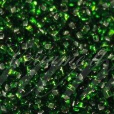 PCCB331/29001/57120-08/0 2.8 - 3.2 mm, apvali forma, žalia spalva, kvadratinė skylė, viduriukas su folija, apie 50 g.
