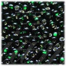 pccb331/29001/57150-11/0 2.0 - 2.2 mm, žalia spalva, kvadratinė skylė, viduriukas su folija, apie 50 g.
