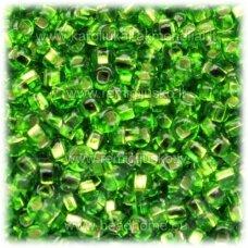 pccb331/29001/57430-11/0 2.0 - 2.2 mm, apvali forma, skaidrus, žalia spalva, viduriukas su folija, kvadratinė skylė, apie 50 g.