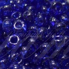pccb331/29001/66300-05/0 4.3 - 4.8 mm, apvali forma, skaidrus, mėlyna spalva, kvadratinė skylė, apie 50 g.