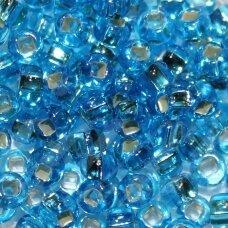 pccb331/29001/67030-08/0 2.8 - 3.2 mm, apvali forma, skaidrus, mėlyna spalva, kvadratinė skylė, viduriukas su folija, apie 50 g.