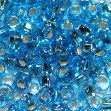 pccb331/29001/67030-11/0 2.0 - 2.2 mm, apvali forma, skaidrus, mėlyna spalva, kvadratinė skylė, viduriukas su folija, apie 50 g.