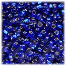 pccb331/29001/67300-11/0 2.0 - 2.2 mm, apvali forma, skaidrus, mėlyna spalva, viduriukas su folija, kvadratinė skylė, apie 50 g.