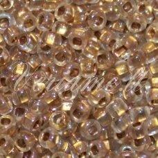 pccb331/29001/68506-06/0 3.7 - 4.3 mm, apvali forma, skaidrus, gelsva spalva, ab danga, kvadratinė skylė, viduriukas su folija, apie 50 g.