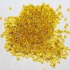 pccb331/29001/87010-11/0 2.0 - 2.2 mm, apvali forma, skaidrus, geltona spalva, viduriukas su folija, kvadratinė skylė, apie 50 g.