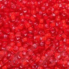 pccb331/29001/95076-10/0 2.2 - 2.4 mm, apvali forma, skaidrus, raudona spalva, viduriukas balta spalva, kvadrato forma, apie 50 g.