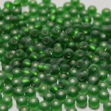 pccb39001/57120-05/0 4.3 - 4.8 mm, apvali forma, matinė, žalia spalva, viduriukas su folija, apie 50 g.