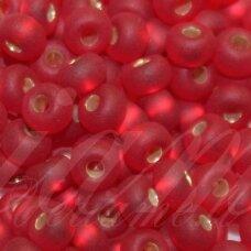PCCB331/39001/97090-05/0 4.3 - 4.8 mm, apvali forma, matinė, skaidrus, raudona spalva, viduriukas sidabrinė spalva, apie 50 g.