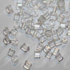pccb351/31001/00050-10/0 2.2 x 2 mm, pailga forma, skaidrus, apie 50 g.
