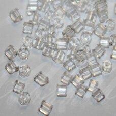pccb351/31001/00050-11/0 1.7 x 1.9 mm, pailga forma, skaidrus, apie 50 g.