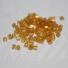 pccb351/31001/11050-11/0 1.7 x 1.9 mm, pailga forma, skaidrus, geltona spalva, ab danga, apie 50 g.
