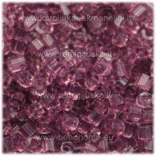 pccb351/31001/20010-09/0 2.4 x 2.4 mm, pailga forma, skaidrus, violetinė spalva, apie 50 g.