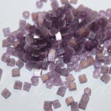 pccb351/31001/25041-10/0 2.2 x 2 mm, pailga forma, skaidrus, violetinė spalva, apie 50 g.