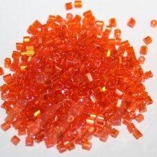 pccb351/31001/91000-09/0 2.4 x 2.4 mm, pailga forma, oranžinė spalva, ab danga, apie 50 g.