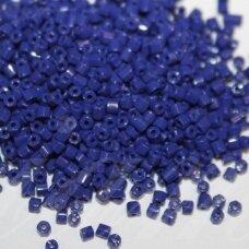pccb351/31001/33070-10/0 2.2 x 2 mm, pailga forma, mėlyna spalva, apie 50 g.