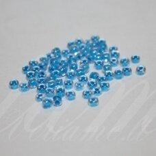 pccb38665-13/0 1.6 - 1.8 mm, apvali forma, skaidrus, viduriukas mėlyna spalva, apie 50 g.
